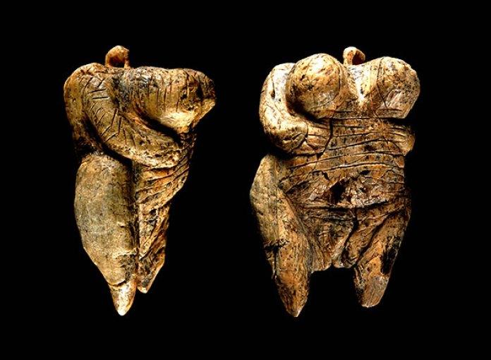 insan formunda heykeller