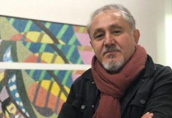 Fatsa'dan Paris'e uzanan bir hikaye… Ressam Onay Akbaş, sanat hayatını Kayıt Dışı'na anlattı…