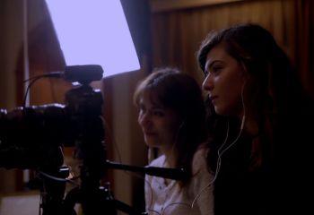 Türkiye'de kadın yönetmen olmak: 'Onun Filmi' gösterimde