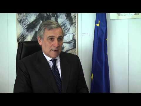 Tajani in Spagna premiato dal Principe Felipe de Borbon e dall'Istituto Reale di Studi Europei per il suo impegno a favore delle imprese