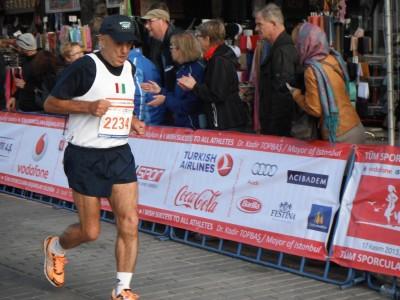Il maratoneta Felice Infante a Valencia
