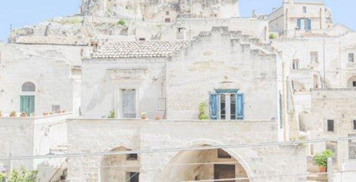 Matera, da vergogna a gloria: la città di pietra diventa un acquerello sulle foto di Federico Scarchilli