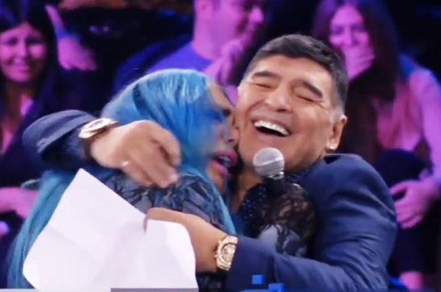 """Loredana Bertè: """"Buon viaggio Diego, ed un abbraccio immenso a tutta la tua Napoli e a tutti gli amanti del calcio...quello vero!"""""""