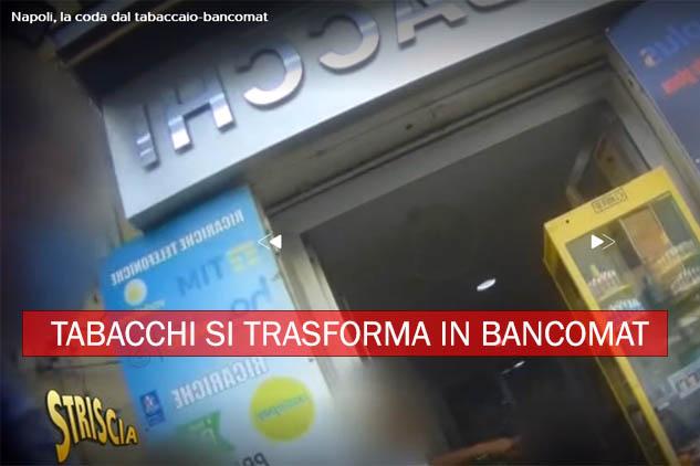 Napoli. Coda davanti al tabaccaio-bancomat usato per prelevare il Reddito di cittadinanza. Ecco il video