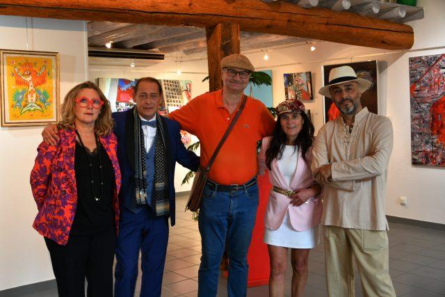 les artistes Marie Céline Audigane, Gregory Blin, , Thierry Lambert, Emma Henriot, Shahram Nabati à l'expo à la Galerie d'Art Emma