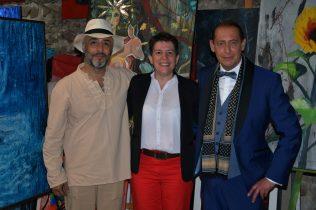 Shahram Nabati, Christelle Marchal, maire de Malleval et Gregory Blin à la Galerie d'Art Emma