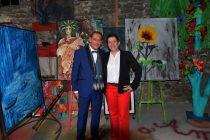 Christelle Marchal, maire de Malleval et Gregory Blin, artiste peintre à l'expo de la Galerie d'Art Emma
