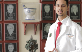 Pharmacists Dr Sanjeev Hansraj Seenath Most influential Young Healthcare Professional In Jacksonville Florida 2