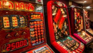 Pubs fail to stop underage gambling, watchdog warns 3