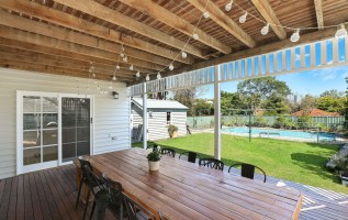 A Home's Patio Impacts a Guest's First Impressions 2
