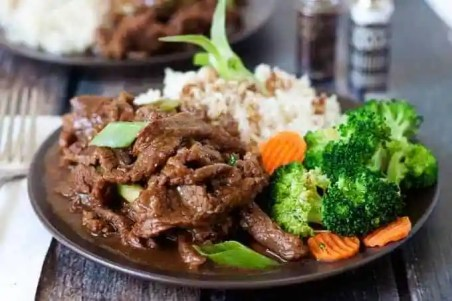 Mongolian Beef Recipe - A pressure cooker version of PF Changs popular beef dish.