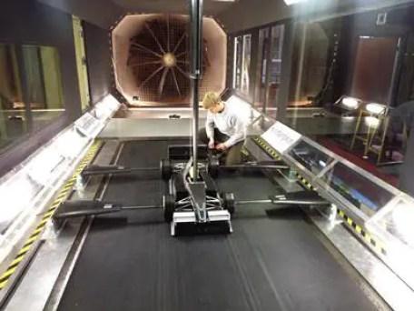 Automotive wind tunnel