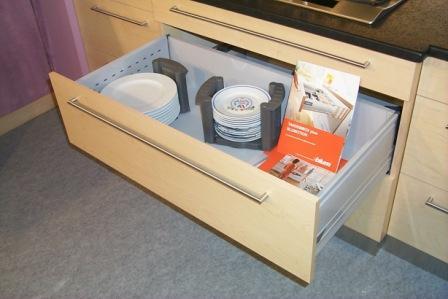 techniques de rangement pratique de la cuisine cr er des rang s et des placards. Black Bedroom Furniture Sets. Home Design Ideas