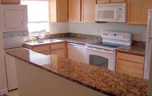 Guide d 39 achat des comptoirs de cuisine - Recouvrir un comptoir de cuisine ...