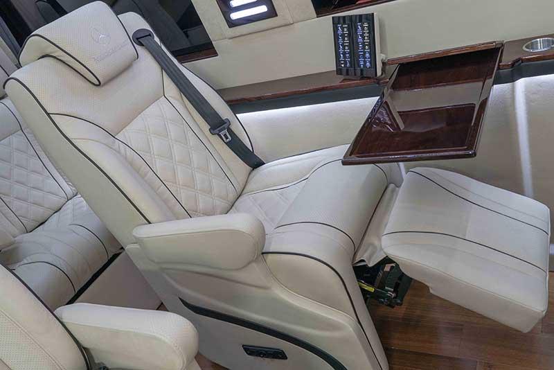 Prestige Motorcoach  Mercedes Diplomat