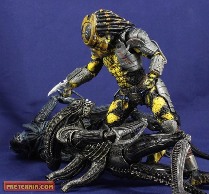 NECA Predator Series 11 Wasp Predator Dead End Review