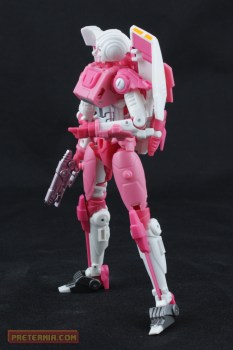 Mastermind Creations Azalea the Avenger Arcee