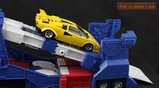 Takara TOMY MP-22 Transformers Masterpiece Ultra Magnus