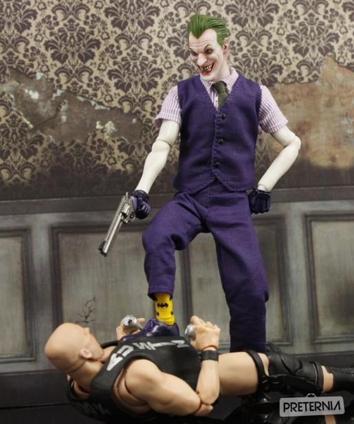 Mezco DC One:12 Joker Review