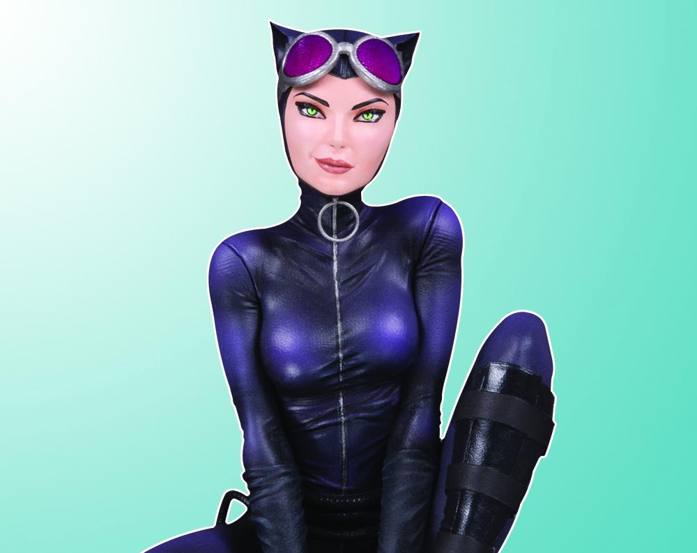 DC Collectibles: Joelle Jones Announces DC Cover Girls Catwoman Statue