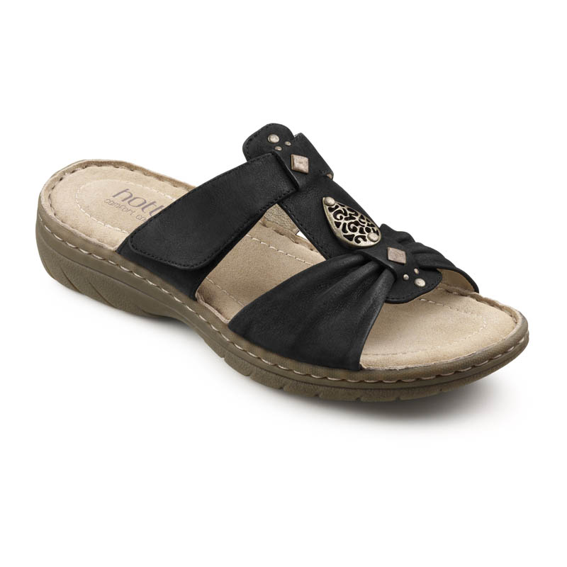 Comfy everyday shoes in larger sizes  Pretty Big Shoes