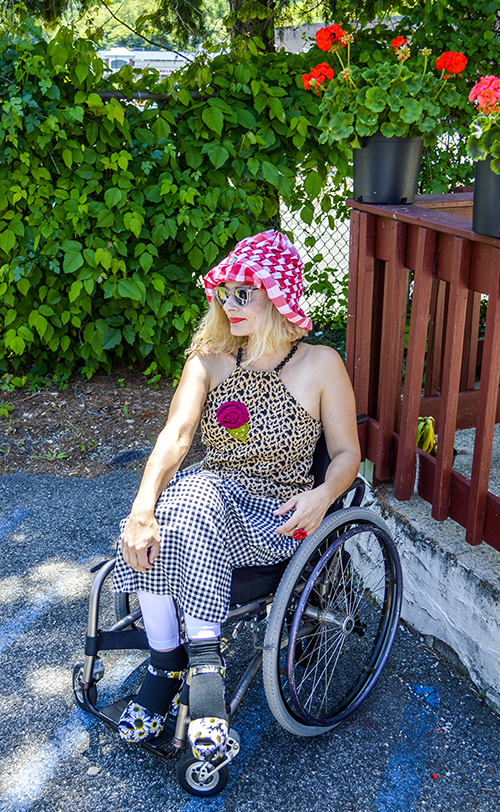 Gingham dress and hat wheelchair streetstyle fashion