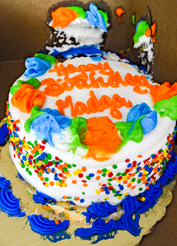mispelled birthday cake.