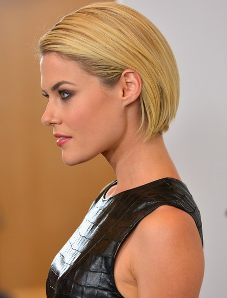 Short Blonde Sleek Bob Hairstyle Side View Of Rachael Taylor Bob