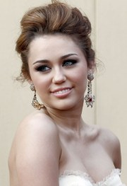 miley cyrus 12 impressive hairstyles