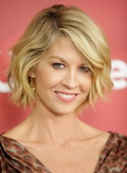 2014 jenna elfman's short hairstyles