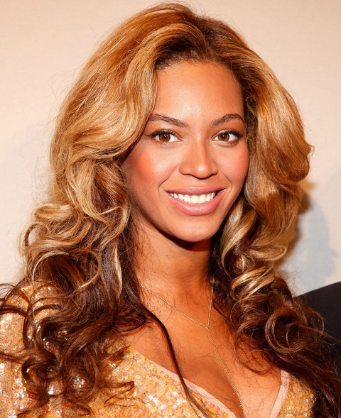 Beyonce Hairstyles Stylish Long Curls for Sophisticated