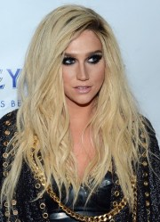 kesha long hairstyles blonde layered