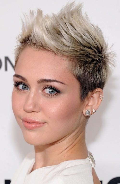16 Pompadour & Quiff Hairstyles For Women Pretty Designs