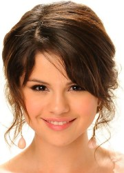 selena gomez hairstyles romantic