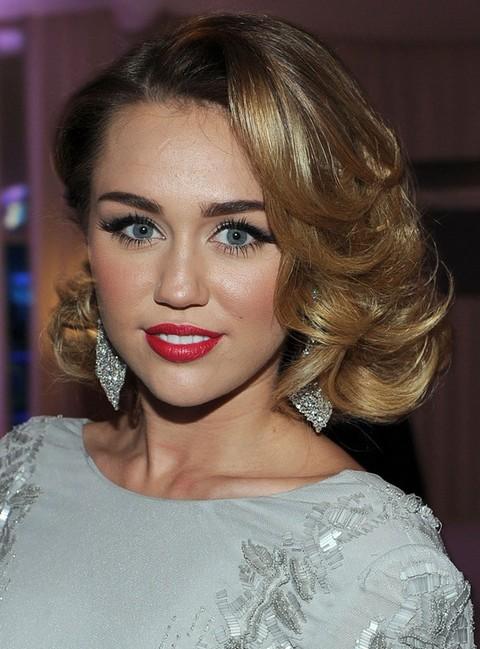 30 Miley Cyrus Hairstyles  Pretty Designs