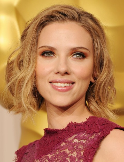 36 Scarlett Johansson Hairstyles Various Updos And Curly
