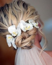 5 fantastic beach wedding hairstyles