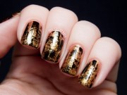 gold nails shine