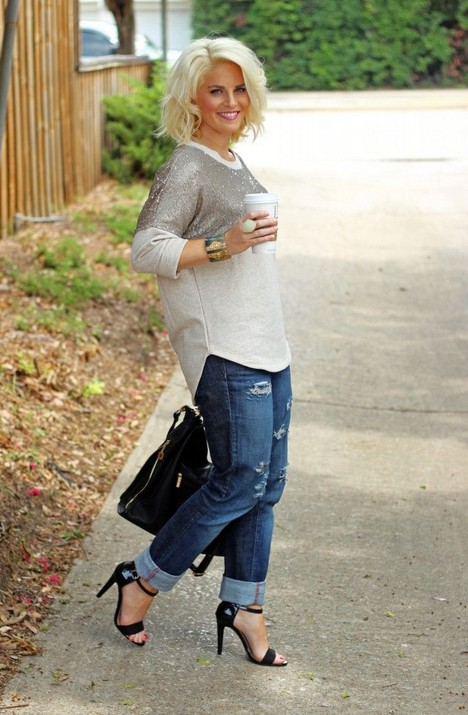 9 Ways to Wear Sweatshirts  Boyfriend Jeans Trend for