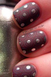 polka-dot nail arts won't
