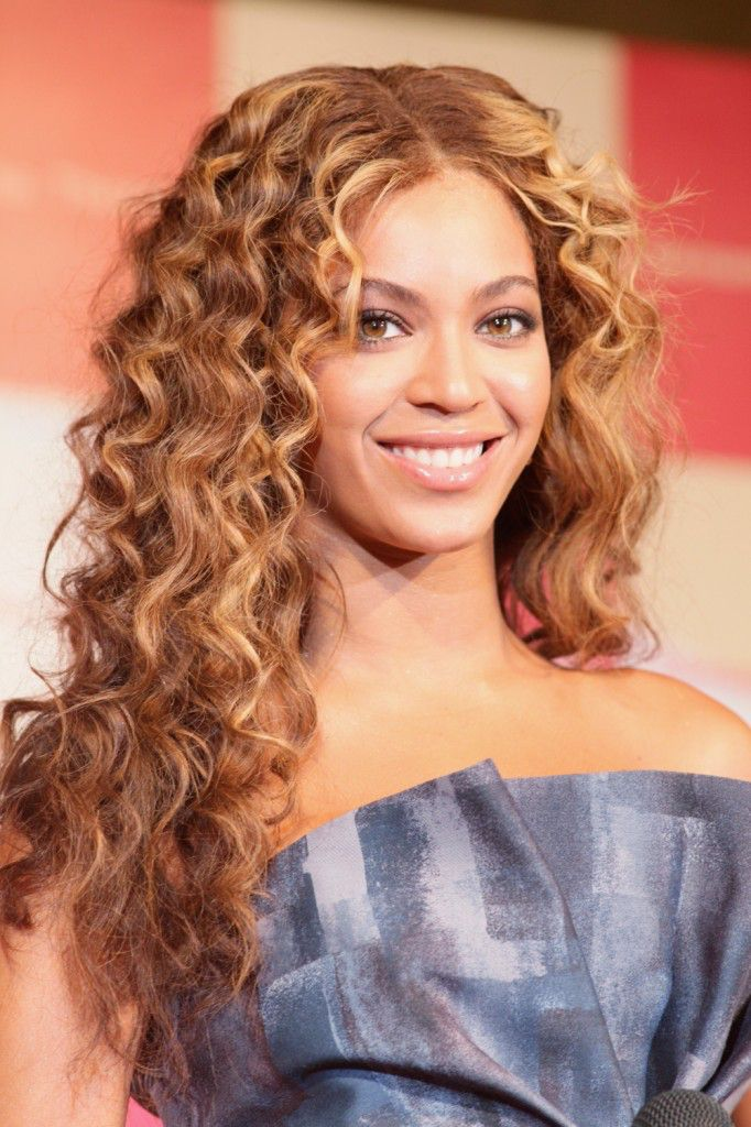 15 Charming Curly Hairstyles for Women  Pretty Designs