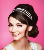 chic hairstyles with headbands