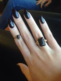 15 Pointy Nail Designs for You to Rock the Holidays ...