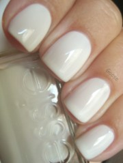 white nail design essie