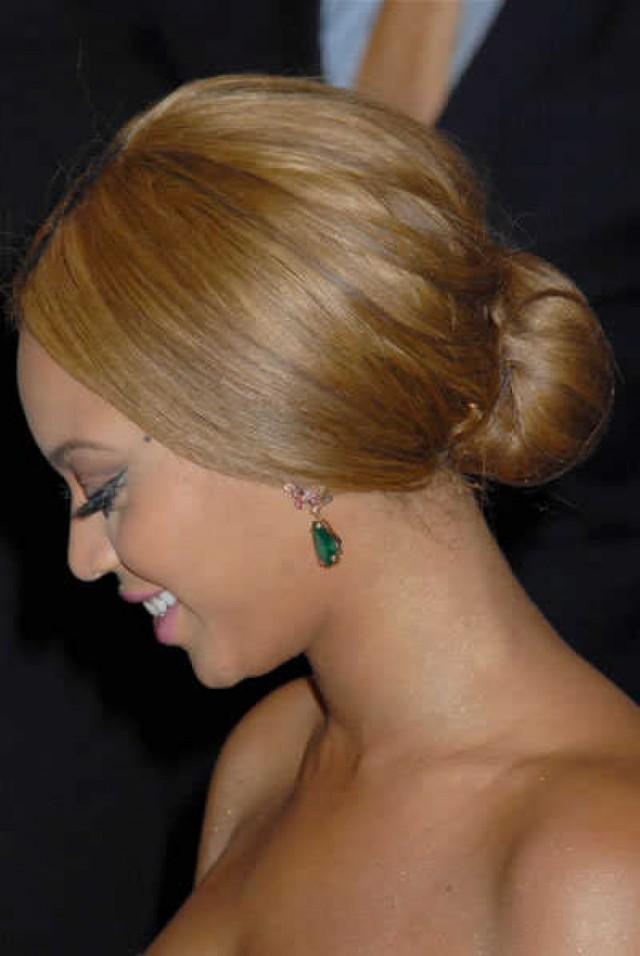 15 Pretty Low Bun Hairstyles For Summer Pretty Designs