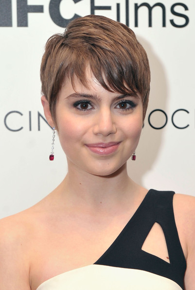 15 Classy Celebrity Short Hairstyles For Summer Pretty