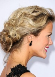 pretty bun hairstyles