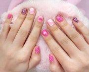 creative mismatched nail art