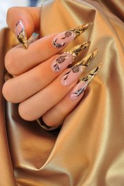 glowing golden nail design