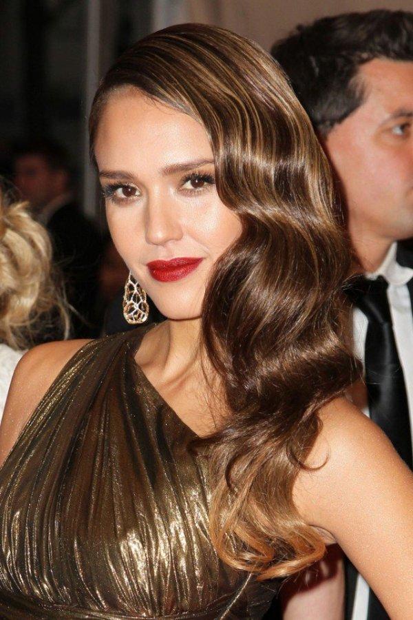 30 Retro Long Wavy Hairstyles Hairstyles Ideas Walk The Falls